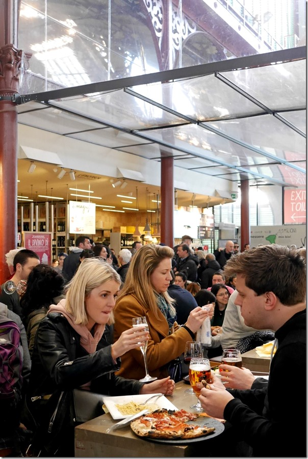 Diners at Il Mercato Centrale, Firenze