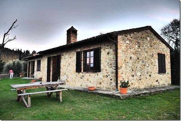 Agriturismo Pescaia - farmhouse in Montepulciano (dramatized setting on camera)