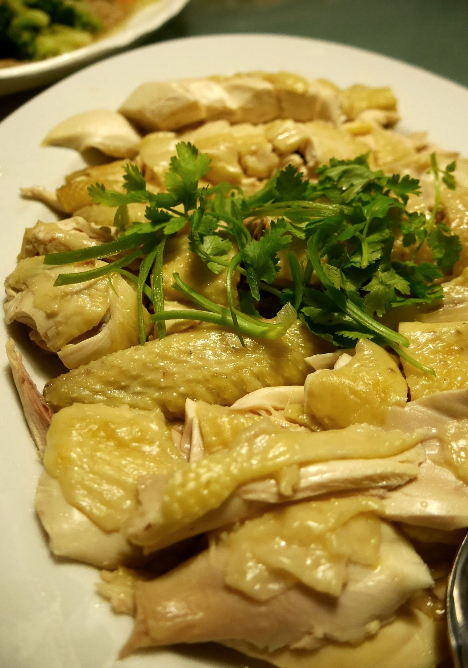 Cantonese style white cooked chicken